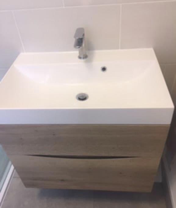 Ensuite remodel in Harrold Bedford, using Merlyn series 10 and Crosswater furniture 3